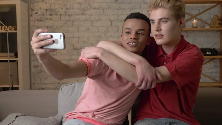 Gay iki videolar
