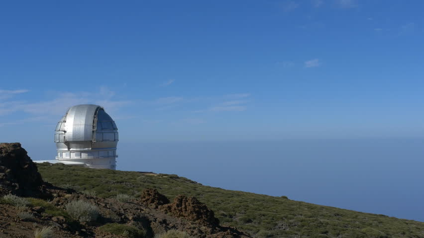 This, the Gran Telescopio Canarias, is one of the biggest telescopes on La Palma, an isalnd famous for its clear skies. #1009353344