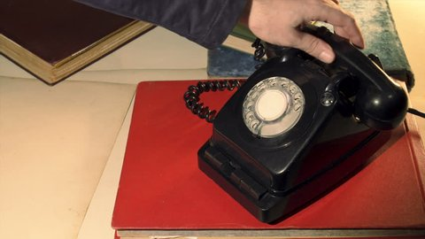 Using A Rotary Phone