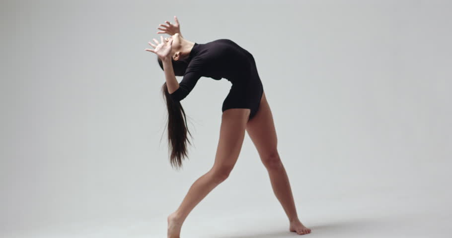 Video clip of lithe young female ballet dancer