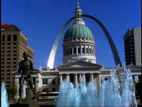 ST. LOUIS, 1999, St. Louis Arch, medium shot with St. Louis City Hall and fountains