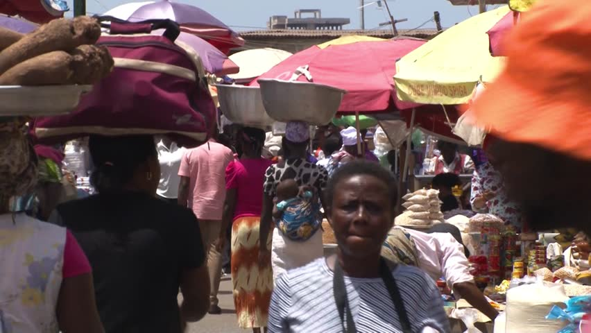 ACCRA,  GHANA - CIRCA JUNE 2017 : Scenery of MAKOLA MARKET in ACCRA.  This market is the largest market in Accra. #1012199054