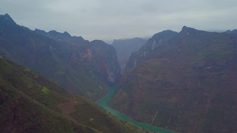 Landscape view from high above the Nho Que River Ma Pi Leng Pass, one of the most beautiful mountain passes Pass in Ha Giang, Vietnam.