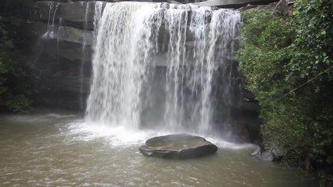 Thung na mueang waterfall