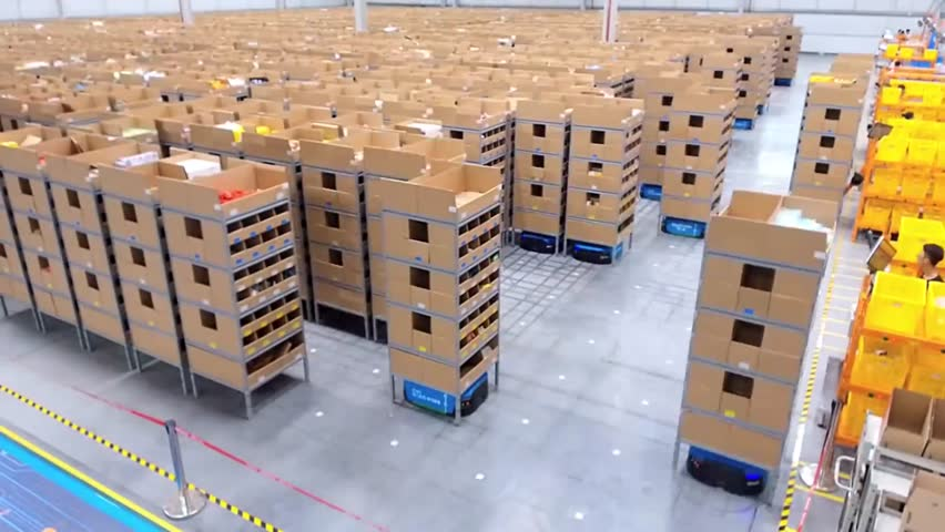 Transforming warehouse automation | Shutterstock HD Video #1015494604