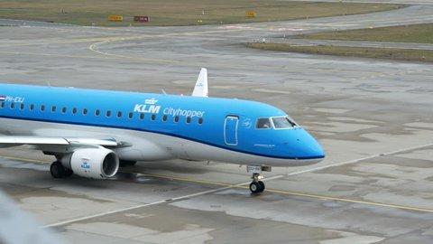 KLM CITYHOPPER EMBRAER ERJ-175STD PH-EXJ AT ZÜRICH AIRPORT SWISS - FEBRUARY 8, 2017
