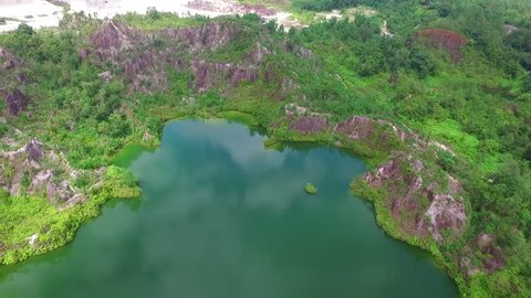The main tourist attractions of Ranong province are called Ranong. Cannon is a small pond Surrounded by valleys