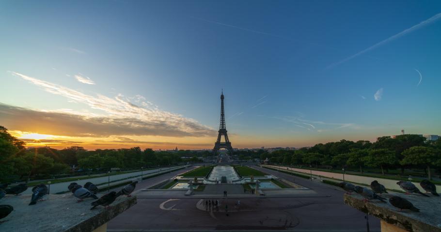 Eiffel tower with sunrise in Paris - 4k time-lapse | Shutterstock HD Video #1041043394
