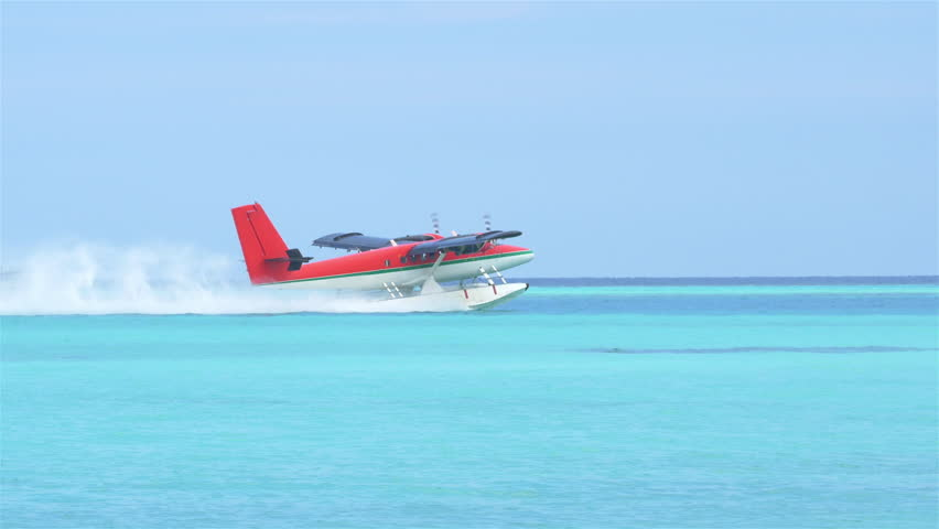 Waterplane taking off