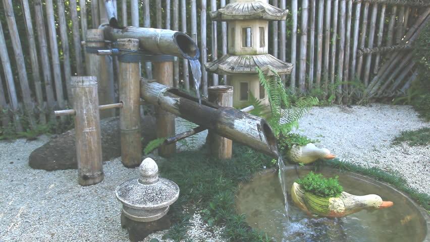Traditional Asian Fountain Video De Stock Totalmente Libre Regalías 11633414 Shutterstock