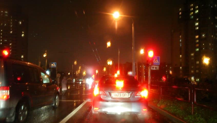 Video Stock De Car Traffic Light Rain The 100 Livre De Direitos