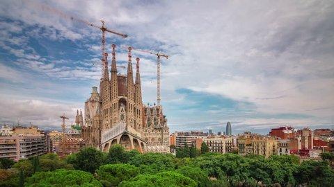 barcelona main cathedral sagrada familia construction 4k time lapse spain
