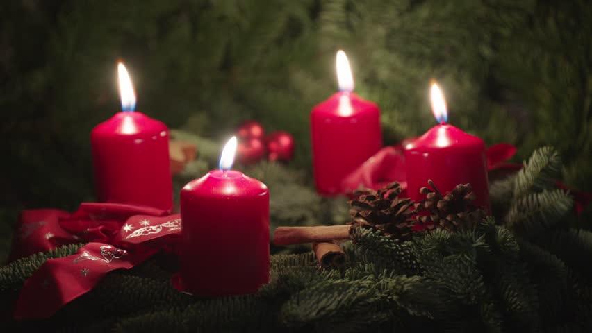 Christmas Wreath, Advent Wreath, 4 candles burning