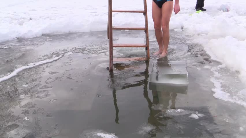Russians Celebrate Epiphany With a Bone-Chilling Bath