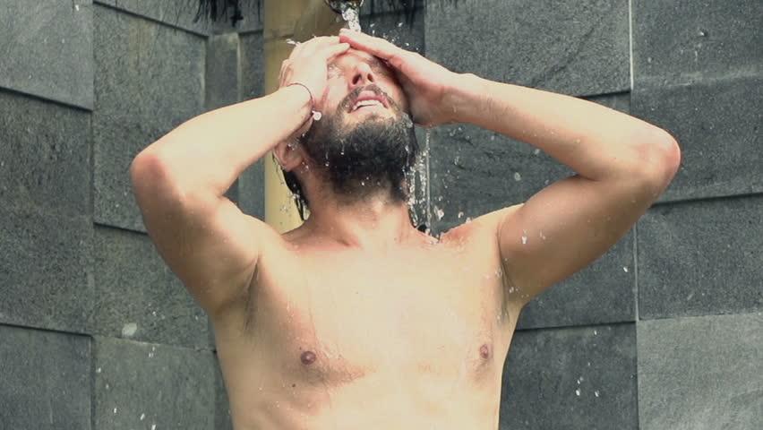 washing-young-body-video