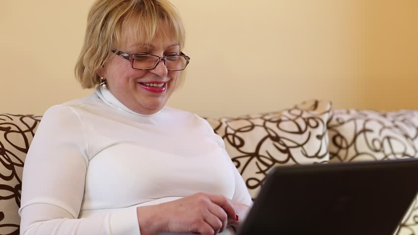 Sexy mature in the webcam