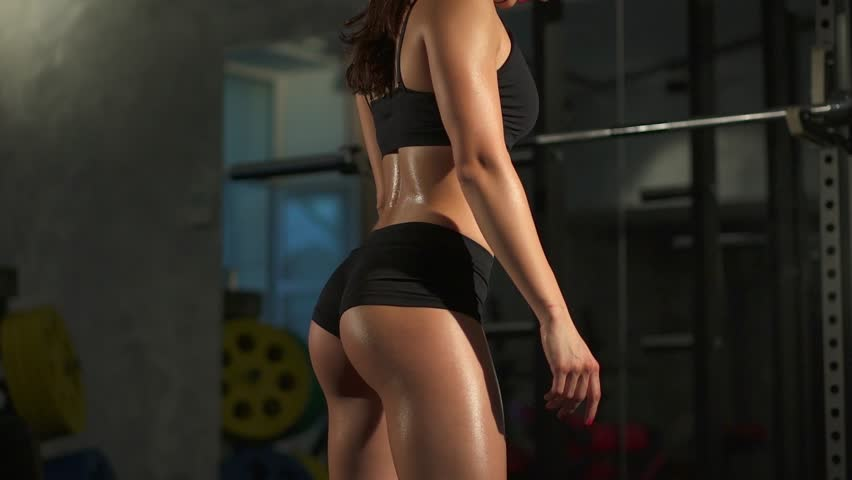 In sexy video woman workout