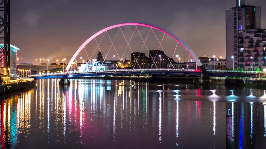 4K views of Glasgow at night, Scotland