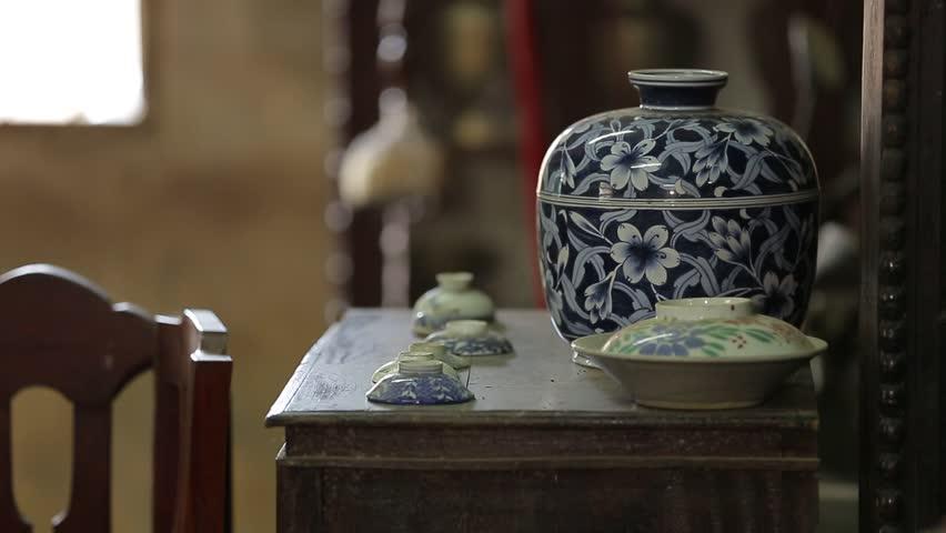 Header of chinaware