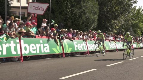 SANABRIA - AUGUST 26: Alberto contador suffers in the last 100 meters of the vuelta stage after crash in Puebla de Sanabria on August 26, 2016 in Sanabria, Spain