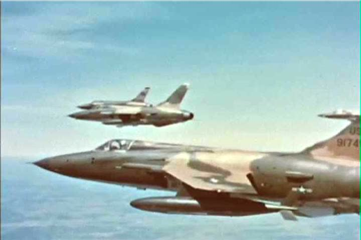 F 105 pilots returning from their mission over vietnam during a us f 105 pilots with the us air force return from their hundredth mission during the publicscrutiny Images