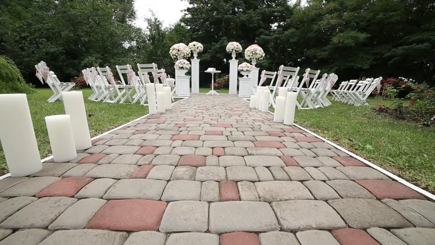 Visiting ceremony arch, fresh flowers!