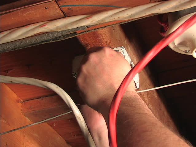 A LICENSED ELECTRICIAN INSTALLS A JUNCTION BOX PART 2.