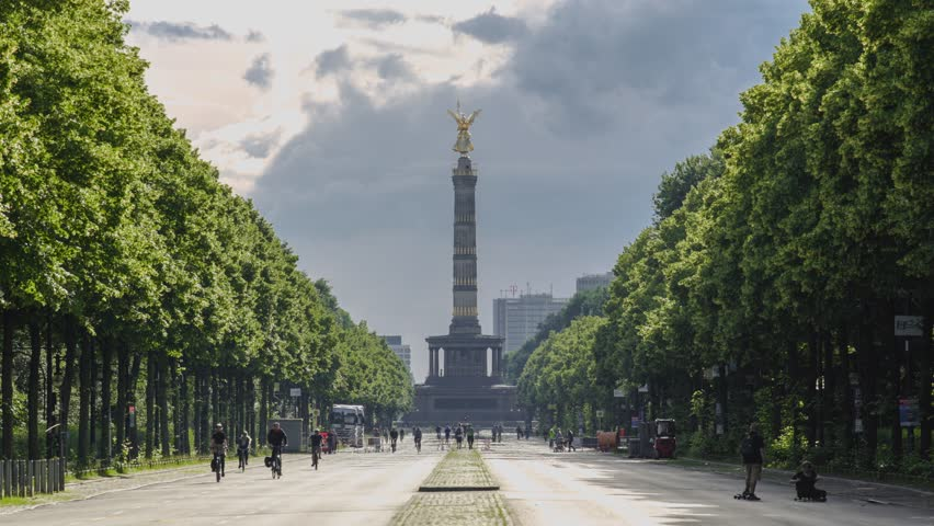 Deutschland timelapse, Berlin cityscape, Germany