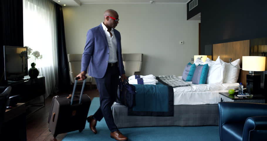 businessman-fucks-hotel