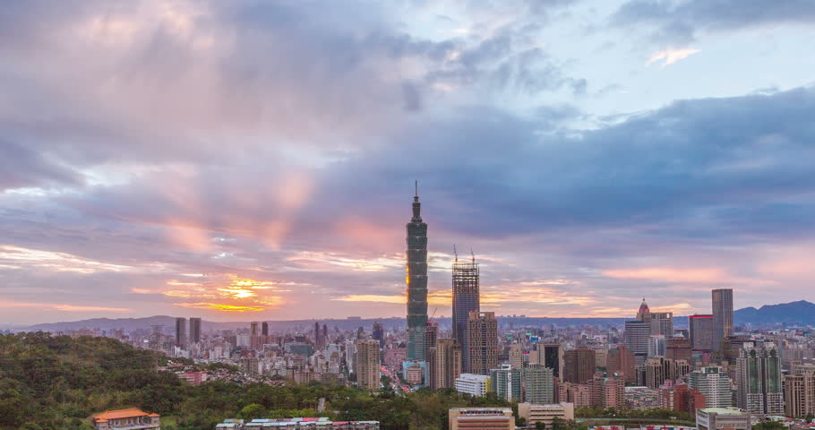 4K timelapse of sunset at City of Taipei day to night
