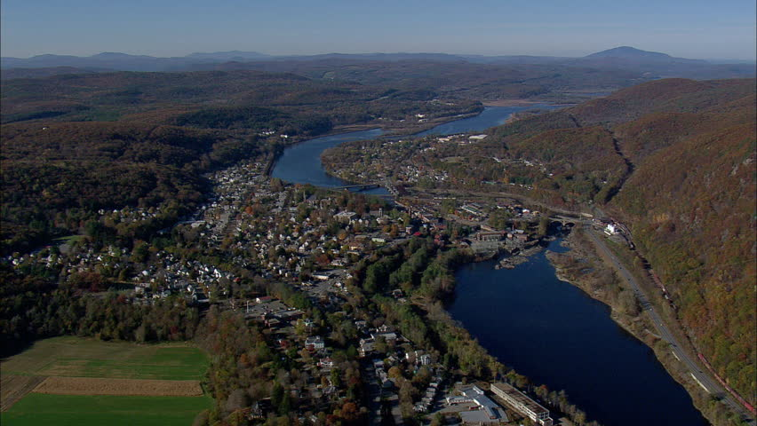 bellows falls dating site Dating in bellows falls, vermont, united states of america we've started 4619 conversations in bellows falls, vermont, united states of america, you could be next sign up & join 232 others in bellows falls there are 232 singles in the bellows falls area who are looking for love right now.