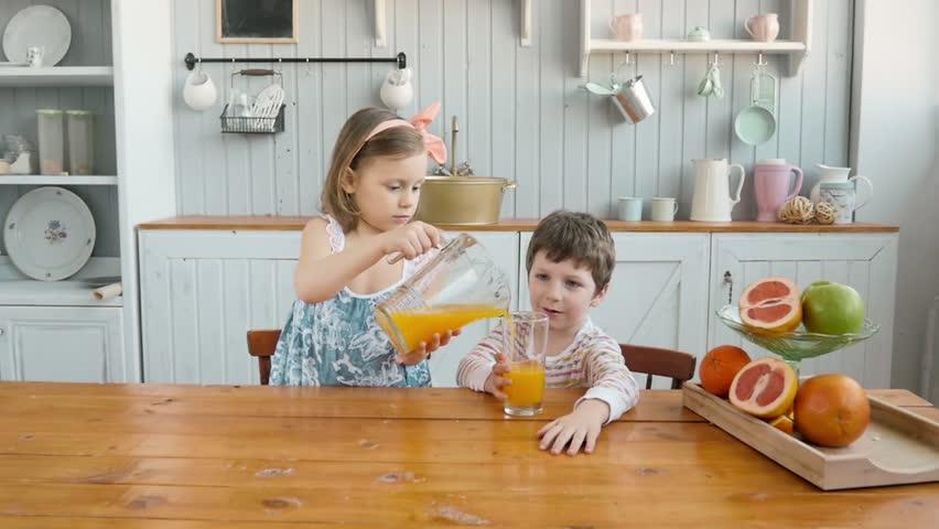 indoors siblings footage