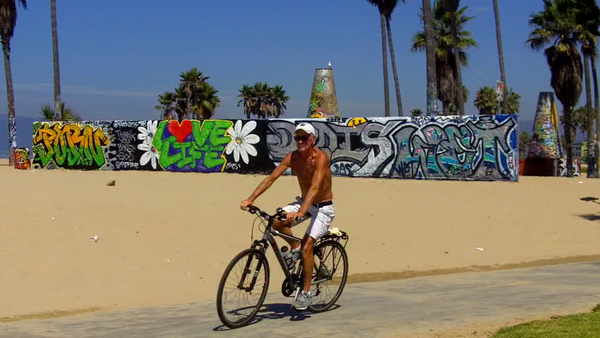 Venice Beach Bike Riders Stock Video Footage 4k And Hd Clips Shutterstock