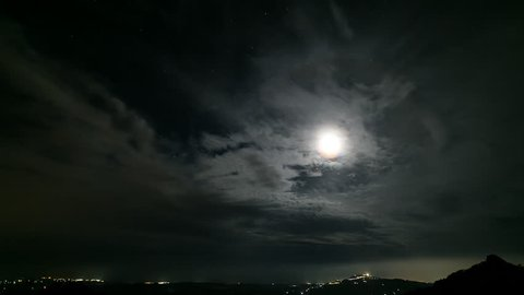Caltabellotta, The Moon and the Clouds (Time-Lapse)