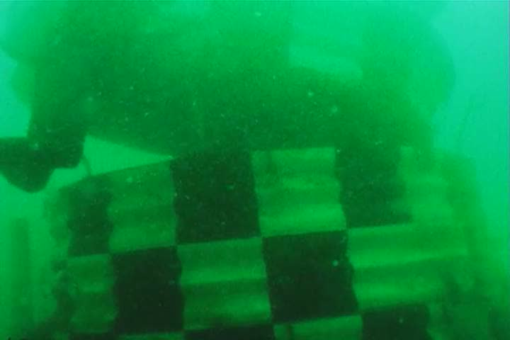 Header of buoyancy