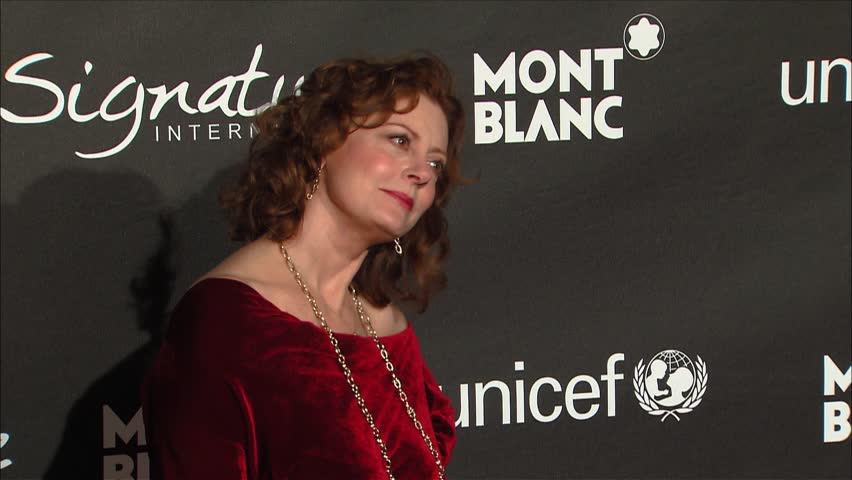 Hollywood, CA - FEBRUARY 20, 2009: Susan Sarandon, walks the red carpet at the Signature For Good Gala held at the Paramount Studios