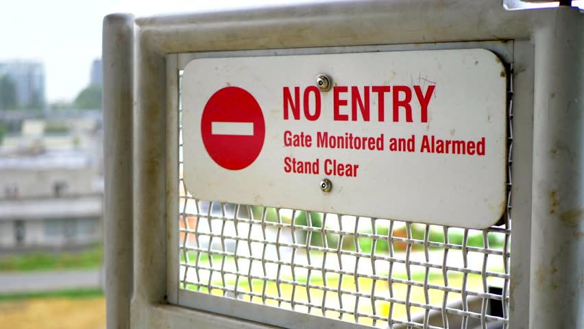 4K No Entry Gate Sign Barrier, Stop Trespassing Door Message