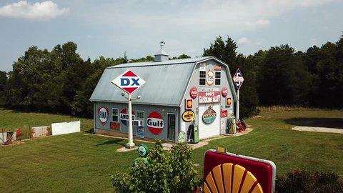 August 10th 2017. Cuba, Missouri, USA. Bob's Gasoline Alley, Route 66 attraction.