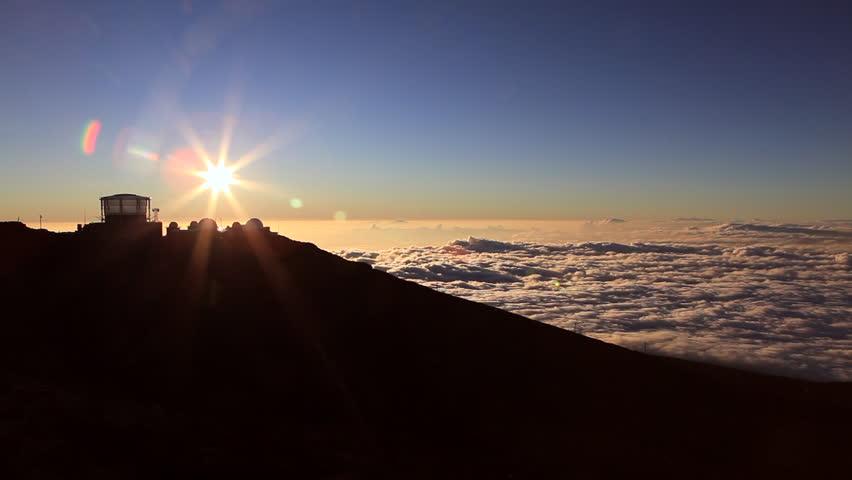 Photographers waiting for sunset at haleakala volcano at mauihawaii sunset timelapse at haleakala observatories hd stock footage clip publicscrutiny Image collections