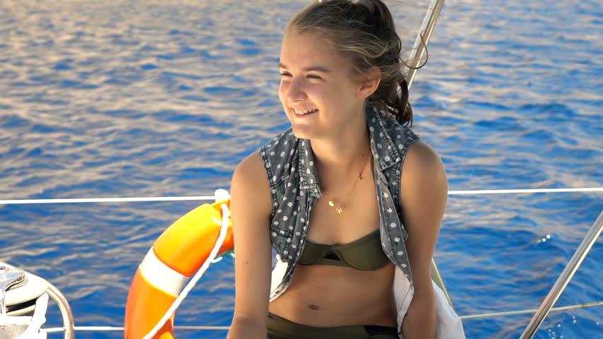 aunty-young-teens-russian-on-boat-sexy-women-trisha