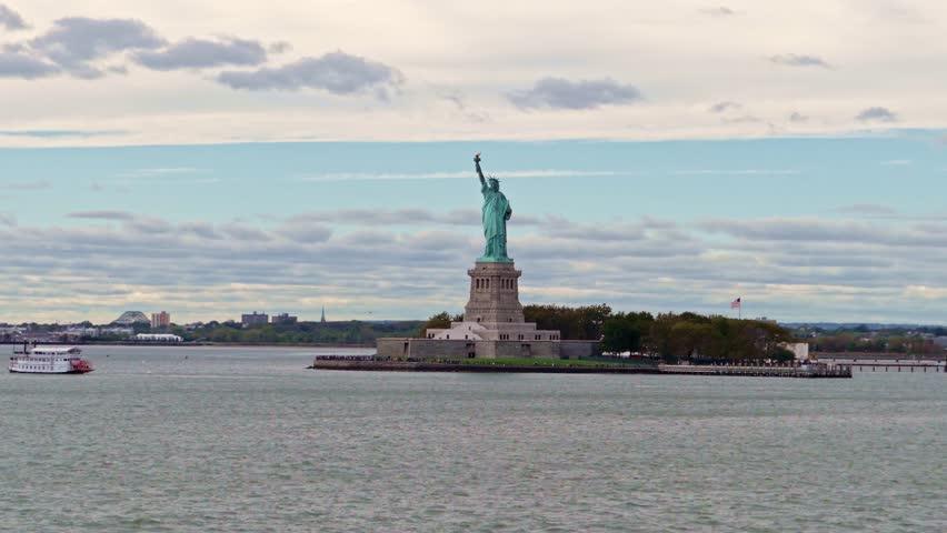 Passing Lady liberty | Shutterstock HD Video #33015514