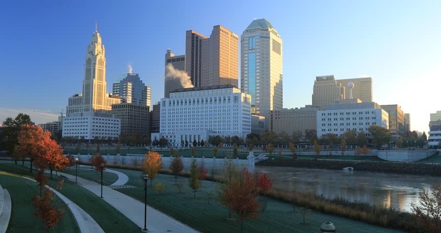 Columbus, Ohio skyline on a clear fall day 4K