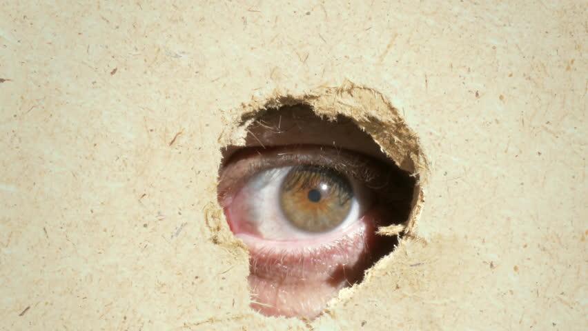 дырка в стене смотреть