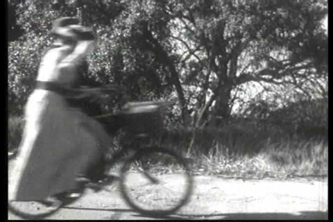 1900s - Americans use bicycles at the turn of the 20th century.
