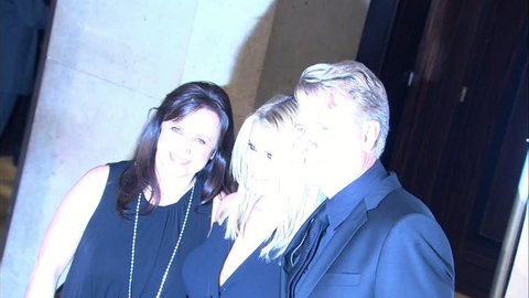 BEVERLY HILLS - October 2, 2009: Joe Simpson and Jessica Simpson and Tina Simpson at the 8th Annual Smile Gala in Los Angeles in the Beverly Hilton Hotel in Beverly Hills October 2, 2009