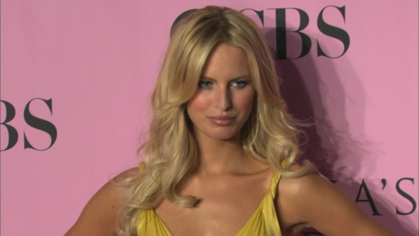 Kurkova At The Victoria S Secret Fashion Show 2006 In Kodak Theatre Hollywood November 16 Stock Footage Video 4558184 Shutterstock
