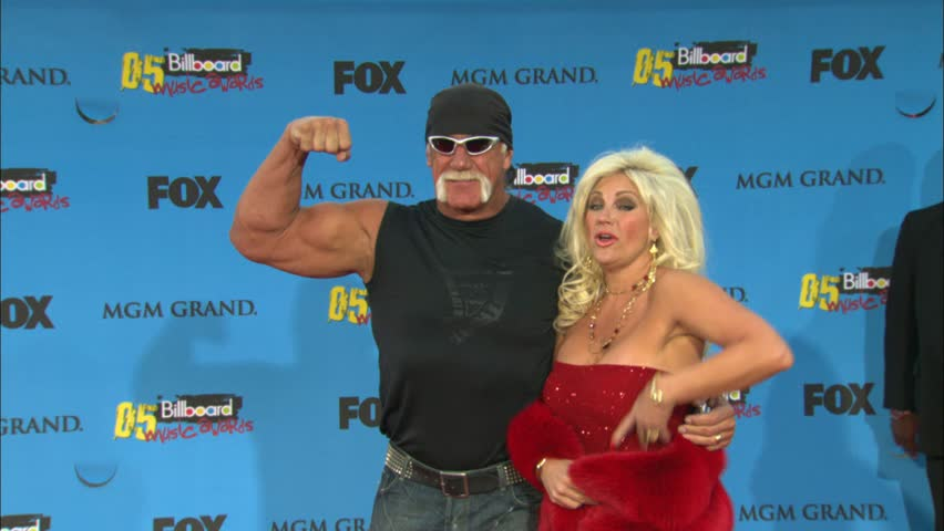 LAS VEGAS - December 6, 2005: Hulk Hogan and Linda Hogan at the Billboard Music Awards 2005 in the MGM Grand Las Vegas in Las Vegas December 6, 2005