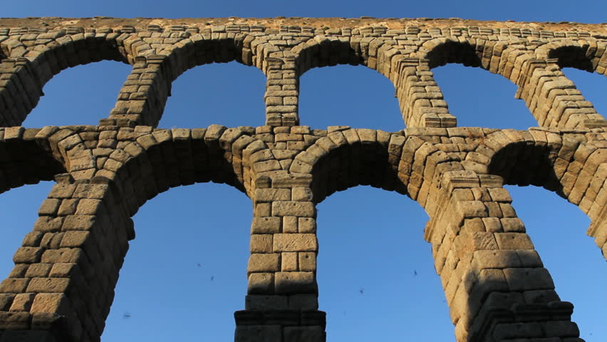 Header of aqueduct