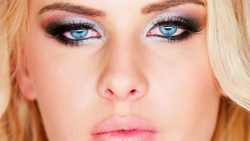 Eye makeup video