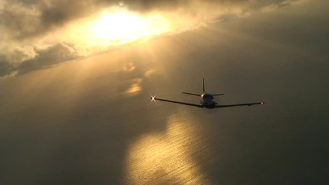 Socata TBM850 single engined turboprop in flight around the Bahamas, breaking many speed records. This is the worlds fastest single engined turboprop currently in production.